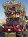 Decorated Truck, Typical of Those on the Karakoram Highway in Pakistan Reproduction photographique par Alison Wright