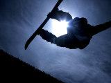 Silhouette of Male Snowboarder Flying over the Vert, Salt Lake City, Utah, USA Fotografisk tryk af Chris Trotman