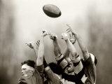 Rugbyspieler im Spiel, Paris, Frankreich Fotografie-Druck