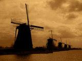 19 Historic Windmills, Kinderdijk, Netherlands Fotografisk tryk af Cindy Miller Hopkins