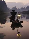 Traditional Chinese Fisherman with Cormorants, Li River, Guilin, China Stampa fotografica di Adam Jones