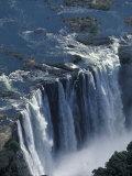 Zambezi River Flowing over Victoria Falls, Mosi-Oa-Tunya National Park, Zambia Fotografisk tryk af Paul Souders