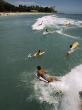 Swimmers on Boogie Boards in the Gentle Surf of Waikiki Impressão fotográfica por Paul Chesley