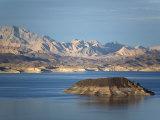 Lake Mead at Dusk with Rugged Landscape Reproduction photographique par Scott Warren