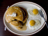 Classic Diner Breakfast of Pancakes and Eggs Fotografisk tryk af Stephen St. John