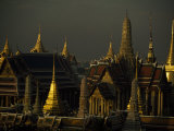 Roofs, Spires, and Steeples in the Grand Palace Complex, Bangkok Fotografisk tryk af Paul Chesley