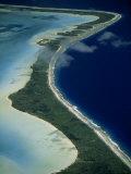 Aerial of the Outer Reef and Barrier Island Off of Bora Bora Impressão fotográfica por Paul Chesley