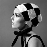 Black and White Checked Bonnet, 1960s Gicléetryck av John French