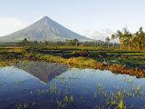 Luzon Island, Bicol Province, Mount Mayon, Near Perfect Volcano Cone, Philippines Fotografie-Druck von Christian Kober