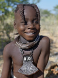 Young Himba Girl, Her Body Lightly Smeared with Mixture of Red Ochre, Butterfat and Herbs, Namibia Fotografisk tryk af Nigel Pavitt