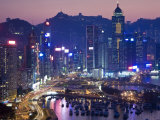 Hong Kong, Hong Kong Island, Causeway Bay View across Harbour to Victoria Peak, China Fotografie-Druck von Peter Adams