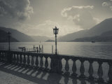 Lombardy, Lakes Region, Lake Como, Bellagio, Grand Hotel Villa Serbelloni, Lakefront, Italy 写真プリント : ウォルター・ビビコウ
