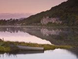 Kylemore Lake, Connemara National Park, Connemara, Co, Galway, Ireland Lámina fotográfica por Doug Pearson