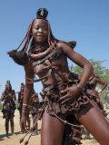 Himba Women Perform the Otjiunda Dance, Stamping, Clapping and Chanting Lámina fotográfica por Nigel Pavitt