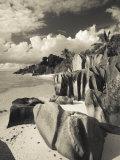 Seychelles, La Digue Island, L'Union Estate Plantation, Anse Source D'Argent Beach Fotografisk tryk af Walter Bibikow