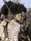 Dassanech Man in Full Tribal Regalia Participates in Dance During Ceremony, Omo Delta, Ethiopia Lámina fotográfica por Nigel Pavitt