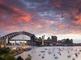 View over Lavendar Bay Toward the Habour Bridge and the Skyline of Central Sydney, Australia Reproduction photographique par Andrew Watson
