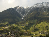 Towns and Chalets Dot the Landscape Near Davos Reproduction photographique par Annie Griffiths Belt