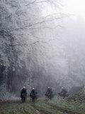 Swiss Army Bike Squad in Training Fotografisk trykk av Lynn Johnson