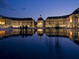 Place De La Bourse at Night, Bordeaux, Aquitaine, France, Europe Fotografisk trykk av Charles Bowman