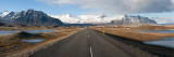 Road with Mountains in the Background, Iceland Reproduction photographique