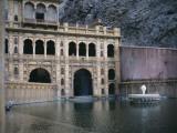 Monkey Temple, Near Jaipur, India Fotografie-Druck von Ami Vitale