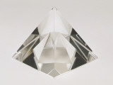 Close-Up of a Crystal Pyramid Reproduction photographique par G. Cigolini