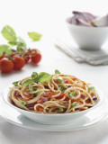 Close-Up of Spaghetti with Fresh Tomatoes Fotografisk tryk