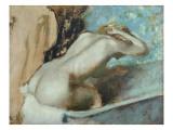 Femme assise sur le rebord d' une baignoire et s'épongeant le cou Reproduction procédé giclée par Edgar Degas