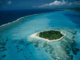 An Aerial View of Saipan Island in Micronesia Impressão fotográfica por Paul Chesley