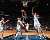 San Antonio Spurs v Minnesota Timberwolves: Tony Parker Foto af David Sherman