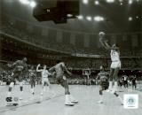 Michael Jordan shoots winning basket in UNC 1982 NCAA Finals against Georgetown Foto