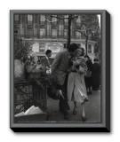 Paris, 1950 Impressão em tela emoldurada por Robert Doisneau