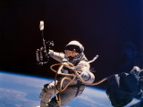Gemini 4 Astronaut Edward H White During America's First Space Walk Fotografisk tryk
