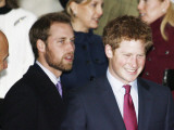 Prince William, sporting a new beard, with his brother Prince Harry as the Royal Family attend a Ch Fotografisk tryk
