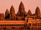 Sunrise over the Ancient Site of Angkor Wat Reproduction photographique par John Banagan