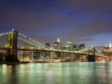 Brooklyn Bridge and Manhattan Skyline at Dusk Fotografisk trykk av Christopher Groenhout