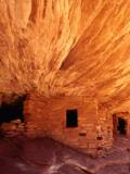 Ancestral Puebloan Cliff Dwellings at House on Fire Ruin in Mule Canyon, Cedar Mesa Fotografie-Druck von Karl Lehmann