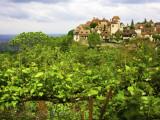 Village on Rocky Spur Overlooking the Bave Valley Fotografie-Druck von Barbara Van Zanten