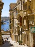 Street in Valletta Fotografisk tryk af Jean-pierre Lescourret