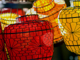Lanterns at Sunday Market Fotografisk trykk av Ray Laskowitz