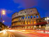 Colosseum and Traffic on Via Del Fori Imperiali Fotografie-Druck von Richard l'Anson
