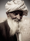 Portrait of Old Man from Khuri Village Reproduction photographique par April Maciborka