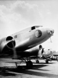Commercial Airline DC-3 Plane, With Propellers Spinning Fotografisk trykk av H. Armstrong Roberts