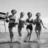 Seaside Fun Reproduction photographique par Chaloner Woods
