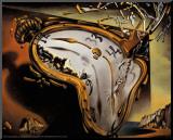 Weiche Uhr im Moment ihrer ersten Explosion, ca. 1954 Druck aufgezogen auf Holzplatte von Salvador Dalí