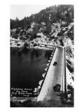 Big Bear Lake, California - View of Highway across the Dam Kunst von  Lantern Press