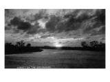 Texas - Sunset on the Rio Grande Plakater af  Lantern Press