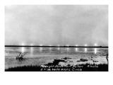 Fort Yukon, Alaska - View of the Midnight Sun Posters af  Lantern Press