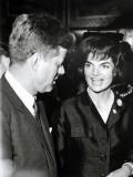 Jackie and John Fitzgerald Kennedy Fotografisk trykk av Luc Fournol